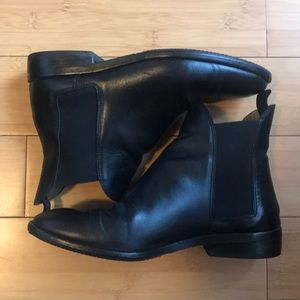 Everlane Modern Chelsea Boots, Size 8